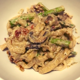 A variation of stroganoff with cashew cream sauce.